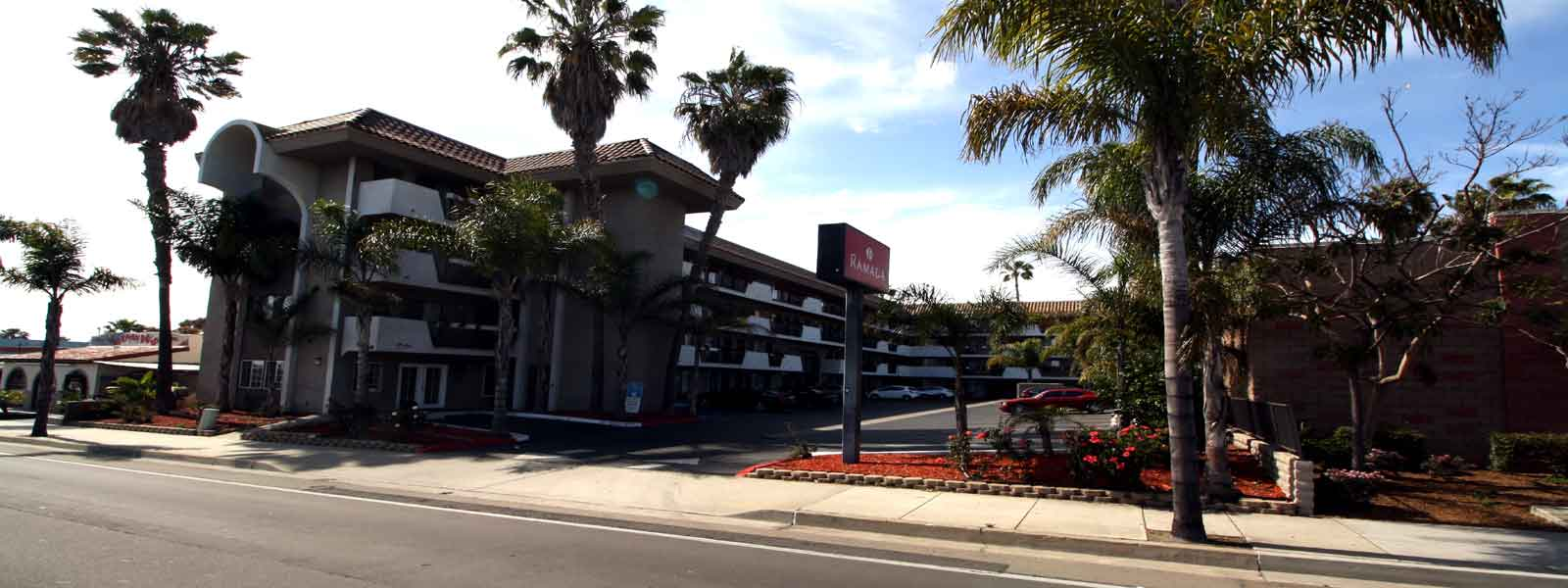 Clean Comfortable Rooms Lodging Hotels Motels in Oceanside California
